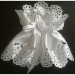 Kryza - biała róża