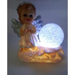 Aniołek ze świecącą kulą - żywica